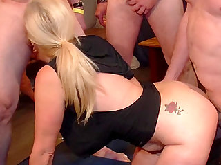 Sexy mature blonde wants to be fucked by randy fellows