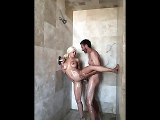 Luna Star busty blond babe fucked in the shower - MySexMobile