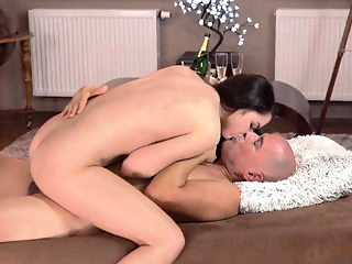 Old nasty dirty doctor hd and man cums inside young pussy
