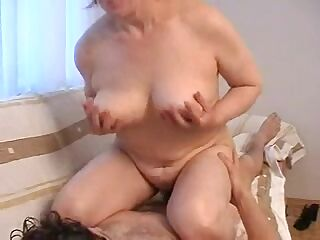 Mom with hairy pubis & nice boobs